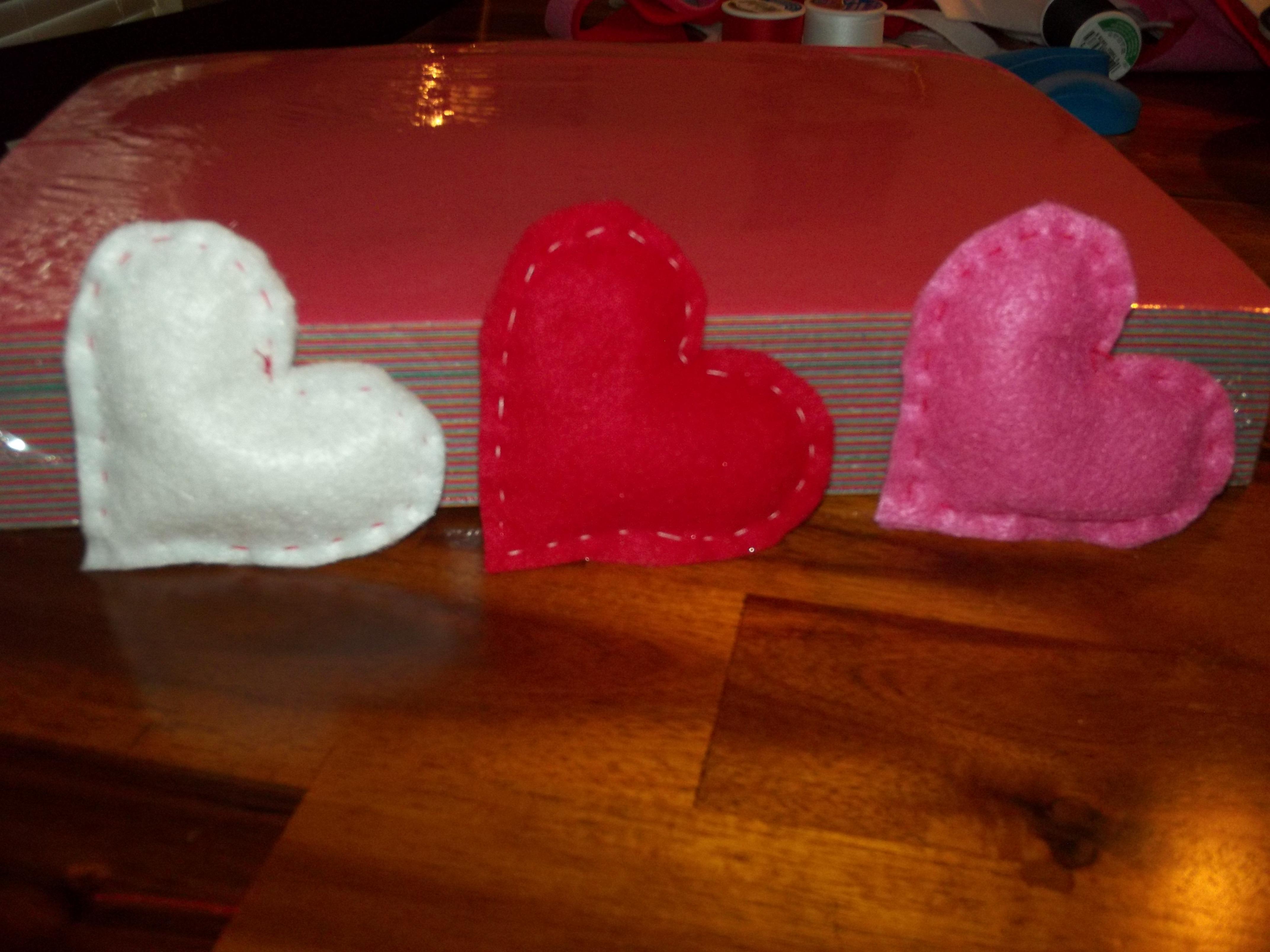 DIY Heart Pocket Hand Warmers #DIY - Acadiana's Thrifty Mom
