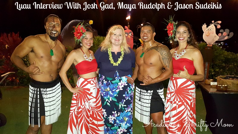 Luau Interview With Josh Gad, Maya Rudolph & Jason Sudeikis #AlohaAngryBirds