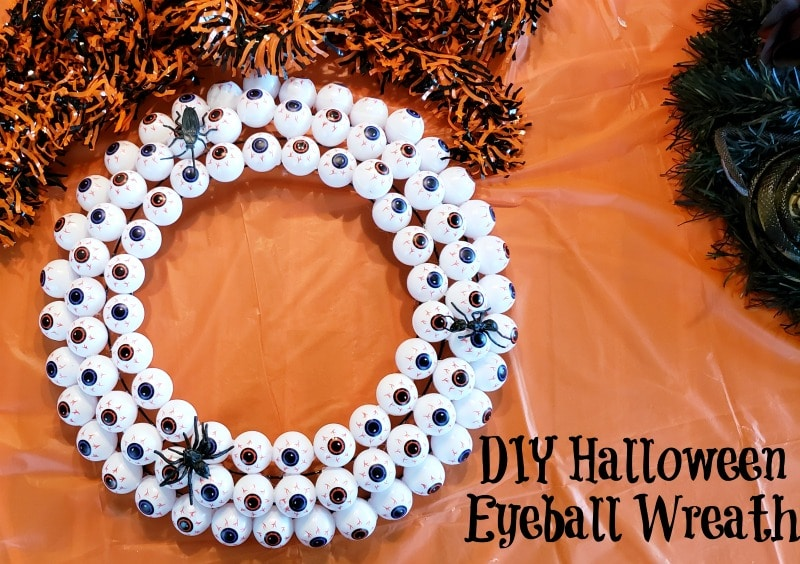 How To Make Your Own DIY Halloween Eyeball Wreath